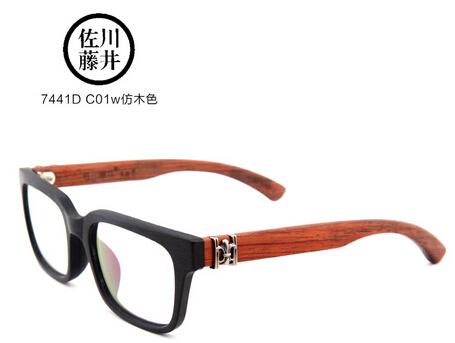 1,设计上,主要采取手工制作手法,以天然木质为材质以及经典粗框为眼镜