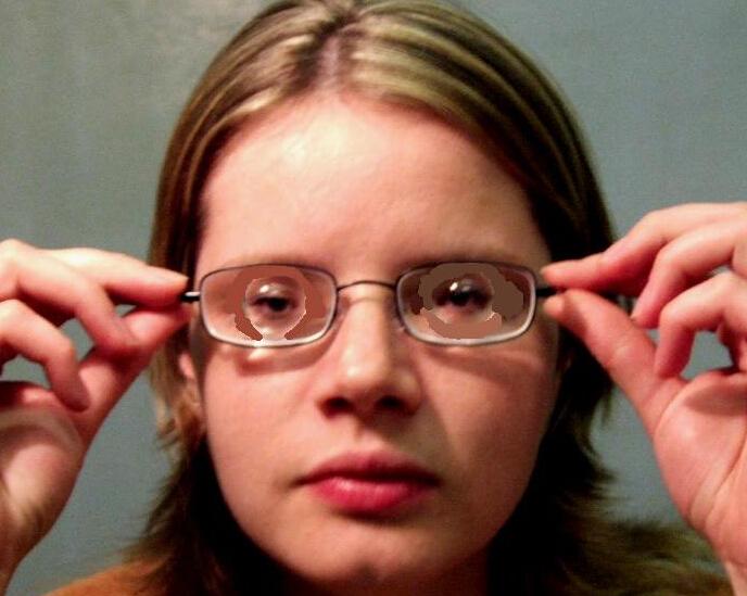 带平光眼镜会近视吗_高度近视眼镜