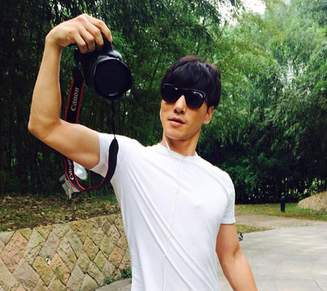 张亮(sean),1982年3月26日出生于中国北京,中国男模,男演员,签约张亮