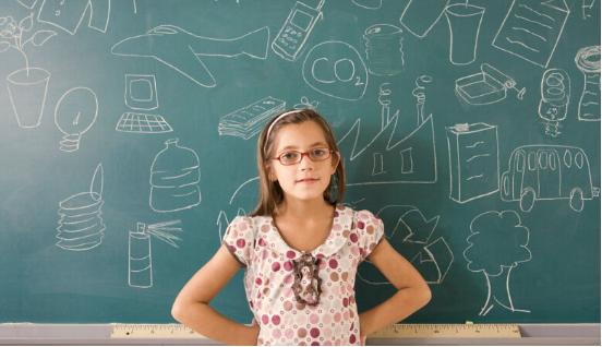 戴眼镜的儿童须至少每年验一次光