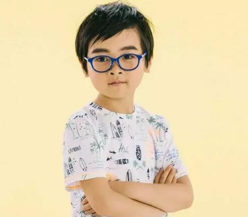 缤纷有型的儿童近视眼镜大推荐