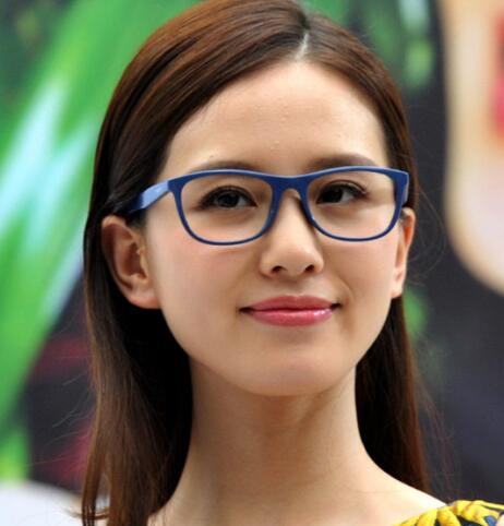 刘诗诗,金小妹等女星完美演绎书呆子眼镜
