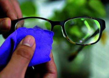 最好的近视镜片_想换一副眼镜,镜片选什么牌子的好啊!近视400度,无散光,要 ...